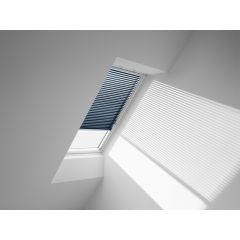 VELUX PAL Manual Venetian Blind in midnight blue.
